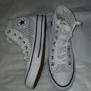 Converse crochet high tops!